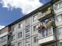 На Большой Московской треснул дом после выгрузки песка на крышу