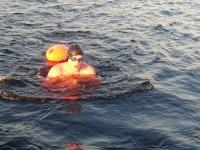 Новгородские пловцы за 18 часов переплыли Ильмень