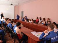 Новгородские полицейские встретились с участниками сверхмарафона «Дети против наркотиков – Я выбираю спорт!»