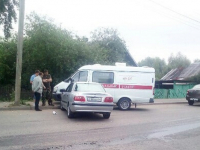 В Великом Новгороде водитель легковушки взял на таран катафалк