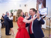 Вальс Андрея Никитина: глава региона вручил золотые медали выпускникам