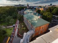 44 автобуса с новгородскими паломниками прибыли к мощам Николая Чудотворца за время их пребывания в Петербурге