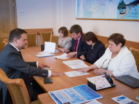 Андрей Никитин сдал подписи для регистрации кандидатом в губернаторы и назвал претендентов в сенаторы