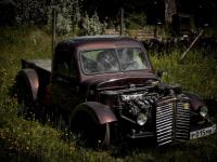 Автомаляр удивил боровичан чудо-машиной, которую собрал  из «Тойоты» и отечественного грузовика