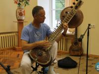 Два дня последователи Шри Чинмоя учили людей медитировать в самом сердце Великого Новгорода