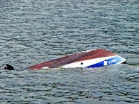 На Валдайском озере утонул мужчина, раскачавший лодку с друзьями