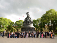 Новгородские полицейские к празднику Петра и Февронии укрепили семейные узы