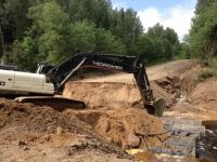 Одна деревня Любытинского района «отрезана». Работы по восстановлению дорог намерены завершить завтра