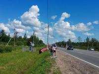 В День ГИБДД съехавший в канаву водитель «Пежо» на М-10 отделался буксировкой машины
