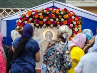 Вопреки прогнозам, очередь к мощам Николая Чудотворца в Санкт-Петербурге не уменьшается