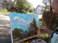 Загадочный художник из Северной столицы приехал в Парфино писать своеобразную архитектуру