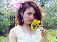 Девушка из Старой Руссы обратилась к Елене Малышевой в надежде восстановить покусанное собаками лицо