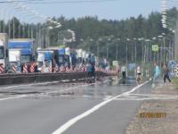Две деревни на трассе М-10 в Новгородской области связала пробка