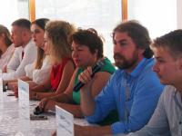 Фестиваль меда «Сласть» в Великом Новгороде начался с круглого стола