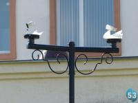 Фотофакт: вандалы разбили фонари рядом с детской поликлиникой в Великом Новгороде