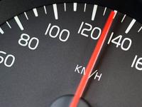 Любители горячего тест-драйва подставили автосалон «Новгород-Лада»