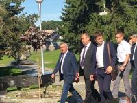 Мэр Великого Новгорода вывел подчиненных на прогулку со смыслом