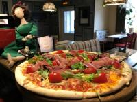 Мы определили того, кто съест вкусную пиццу от кафе «Donna Pasta»!
