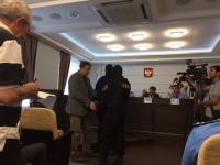 На учредителя «Эксперта» надели наручники в присутствии Андрея Никитина