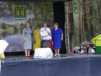 В 90-летний юбилей Хвойная получила сертификат в полмиллиона рублей на детскую площадку