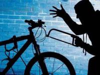 В Великом Новгороде поймали бомжа-велосипедиста