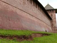 «Ватрушки» не виноваты в трещине кремлёвского вала