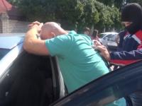 Видео: В Великом Новгороде задержали бывшего полицейского