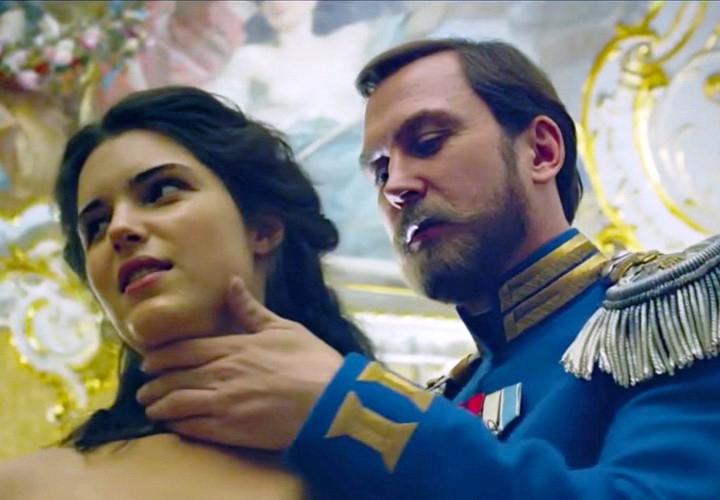 Новгородские кинотеатры оценивают риски и бонусы от показа «Матильды»