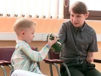 Еще два новгородских мальчика теперь осваивают уникальные роботизированные протезы