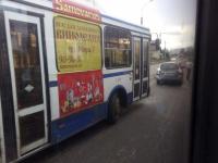 Фотофакт: новгородский автобус № 1 попал в ДТП