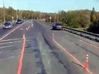 «На М-10 в районе Трегубово открыли вторую полосу!» - сообщают новгородские водители