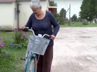 Почтальоны из Батецкого района получили велосипед, о котором просили Владимира Путина