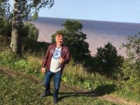 После восьмичасового перелета Игорь Бутман дал два концерта на новгородской земле и побывал на Ильмене