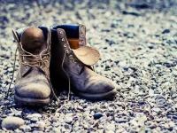 Россиянам, возможно, придется платить за право выкинуть старую обувь