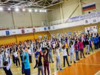 Ученики гимназии «Новоскул» сделали зарядку с чемпионом