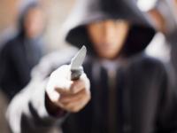 В Великом Новгороде два пьяных товарища продолжили «банкет», ограбив мини-бар на Зелинского