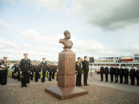 В Великом Новгороде открыли памятник адмиралу Евфимию Путятину