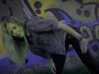 Видео: танец на ночных улицах Великого Новгорода от NEW WAVE FAMILY
