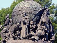 Завтра в Новгородском кремле оживут персонажи памятника  «Тысячелетие России»