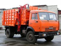 Житель Сольцов помог мусоровозу и людям, ударив в «Вечевой колокол»
