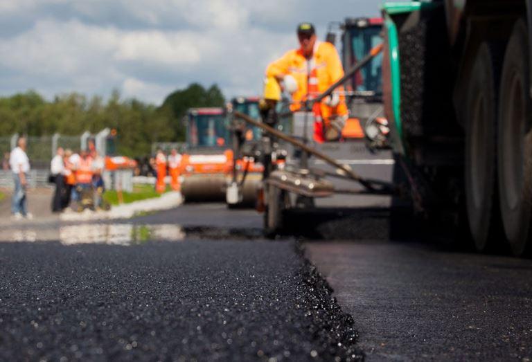 Обнародован список участков дорог Новгородской области для первоочередного ремонта