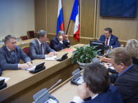 Андрей Никитин попросил Юрия Бобрышева представить подробные графики строительства школы в Псковском микрорайоне