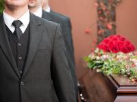 Бывший эксперт Роспотребнадзора даст ответ перед судом о взятке от  боровичской ритуальной компании