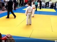 Видео: на турнире по дзюдо в Новгородской области мать побила своего сына и «получила» от судьи (16+)