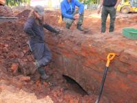 Найденный археологами в Старой Руссе мост закопают из-за нехватки денег