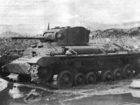 Сегодня новгородцы могут прикупить на Avito трак от танка «Валентайн»