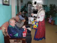 Волонтеры привезли в Шимский и Старорусский дома престарелых тепло своих сердец