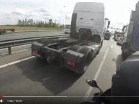 Видео: туристы из Питера показали, как за час добрались на мотоцикле до Великого Новгорода