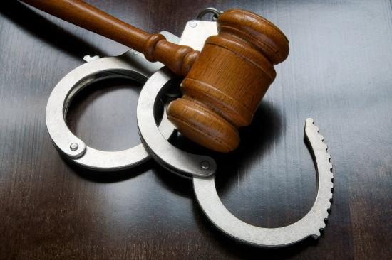Обвиняемый в двойном убийстве в Великом Новгороде вскоре предстанет перед судом