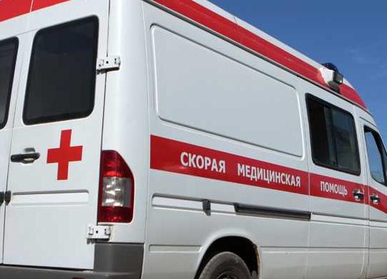 Сотрудника парфинской школы искусств с 70% ожогов тела срочно везут в Санкт-Петербург